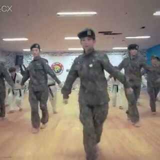 #韩国虎队##太阳的后裔#最近发这个刚好#太阳的后裔模仿赛#😉K―Tigers【Brown Eyed Girls―Brand New World】#当跆拳道遇上舞蹈##跆拳道舞蹈##我要上热门#