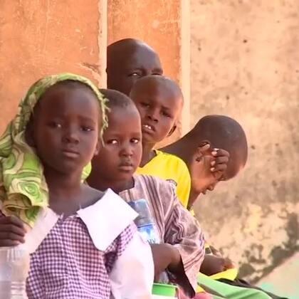 """欢迎收看#联合国周刊#!本周,联合国史上第一次面试秘书长候选人;越来越多的孩子被""""博科圣地""""当成自杀式炸弹使用;叙利亚和谈重启,情况令人沮丧。"""