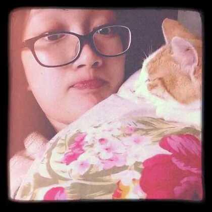 小喵跟我亲亲😚#宿舍的日常#