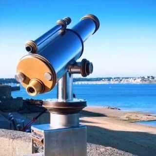 #美拍大师##旅行#清晨从英国朴茨茅斯到法国Saint-Malo的渡轮上醒来,海面上风平浪静阳光明媚,第一次感受英吉利海峡对岸的清晨,安静的只有浪声和远处的灯塔。😘#环游世界#