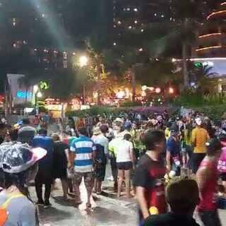 #泰国旅游##泰国芭堤雅##泼水节#全民狂欢载歌载舞街头湿身大派对