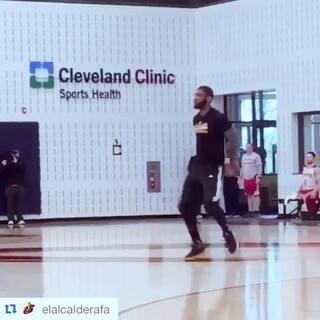 跑男舞挑战里还是觉得欧文在训练时那段跳得最好😃😃😃#跑男舞挑战##NBA##凯里欧文#