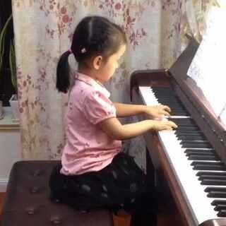 #音乐##小小钢琴家#内蒙民歌主题变奏曲.很好听的一首曲子.弹了一周多的时间.最近在思考如何管理孩子练琴的问题.首先要保证稳定的练琴时间,然后要确保高效的练琴过程,再然后是熟悉曲子后如何进一步提高。对待孩子要多鼓励多讲道理,良好的沟通会起到很好的效果。