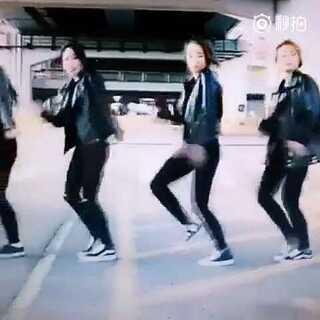 #舞姿大比拼##丝袜吹蜡烛挑战##韩国舞蹈#帅女们的舞姿有灭有,多帅,喜欢我关注我噢 艾宝会带给你们更好的生活调剂😂😂@罗休休