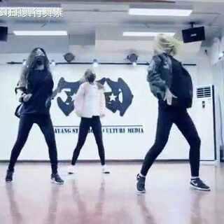 MiniSisiter#NCT##第七感##我要上热门##美拍新人王##00后舞蹈大赛##最美舞者#@舞蹈频道官方账号 @美拍小助手👏👏👏