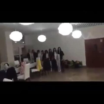 #逗比时光##搞笑#有什么晚会可以男生跳这个舞,太好玩了!😜