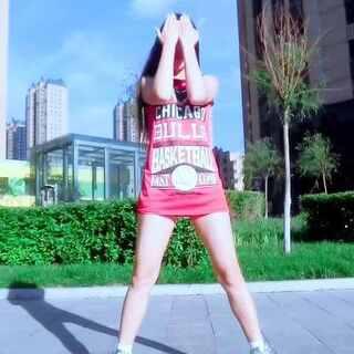 #韩国舞蹈#🎵4 minute — Hate 晒死姐了,视频还是热乎的,刚在小区录个舞蹈差点遭围观…各位大爷大妈,你们怎么不跳广场舞啦?😬@敏雅可乐 亲,这次的视频清晰不?😅总给我点赞,我都不好意思啦。@毕业那年待君归g 看看完整的。#舞蹈#@美拍小助手