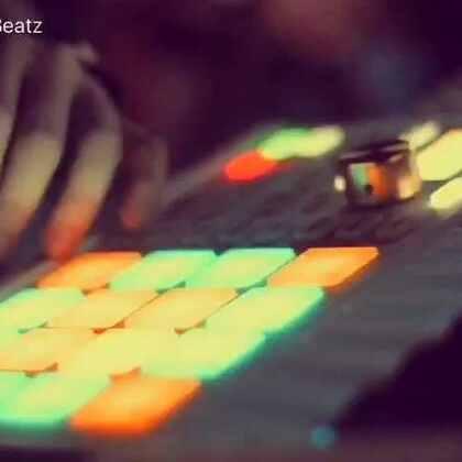 #音乐##打击垫#Stay with me @BeatMaker_狼 @打击垫玩儿手指鼓 @WINKEY®🎫日记🍒 @言射_荒诞派