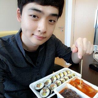 和韩国欧巴一起吃韩国料理!! #鲜肉直播##你问我答##海外直播##吃播#