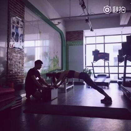 体能训练,💪🏽 其实做什么都需要毅力才能把一件事做好,减肥也一样!一步步向目标靠近!😤