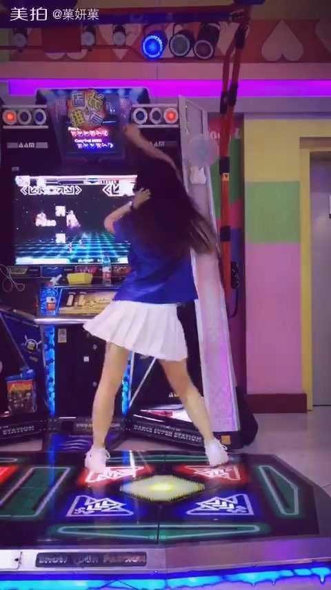 #舞蹈##e舞成名##跳舞机#✨#L.I.E#✨七月新歌啦!好稀饭,嘻嘻~1⃣️P屏幕让大家对脚谱哒!3⃣️速跳的……