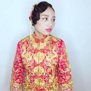 #随手美拍##我要上热门##新娘复古造型##新娘裙褂造型##美妆时尚#😉中式裙褂造型,手推波加低发髻的结合,让你的裙褂造型更时尚美丽