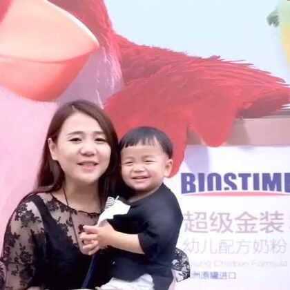 上次去上海参加合生元亲亲快跑三的公益活动,你们留意帅帅的表情,特别好玩