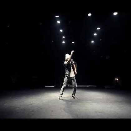 【莫文蔚的歌】云杰老师@云杰Van Freestyle Close To You | 嘉禾新学期火爆报名中,想学最好看最流行的舞蹈就来嘉禾舞蹈工作室。报名热线:400-677-8696。微信账号zahaclub。网站:http://www.jiahewushe.com