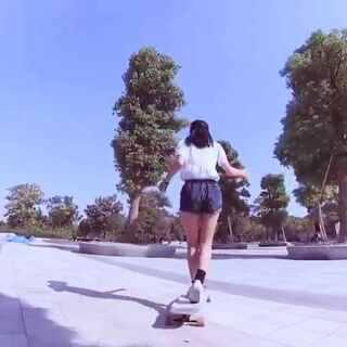 #美拍新晋导演##长板女孩#长板,给我的感觉是随性,自由。这是我第一个比较正式的长板视频~