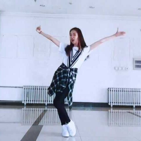 【雅拉iiii美拍】俄罗斯转盘-Red Velvet#舞蹈#我...
