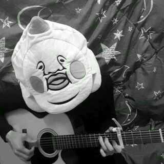 最近被这首歌洗了脑睡觉也好像在听现在到我洗你们脑了 一定要跟你们分享这首歌多多支持喔 #U乐国际娱乐##翻唱##结他弹唱##那英##梦一场##中国好声音##虾滑#😜😜😁