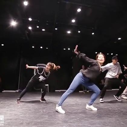 【嘉禾舞蹈工作室】玉婷老师@Mathilda_玉婷 &蒲鑫老师@蒲鑫就是我我就是蒲鑫 编舞 Unconditional | 嘉禾新学期火爆进行中,想学最好看最流行的舞蹈就来嘉禾舞蹈工作室。报名热线:400-677-8696。微信账号zahaclub。网站:http://www.jiahewushe.com #舞蹈##嘉禾舞社##嘉禾#