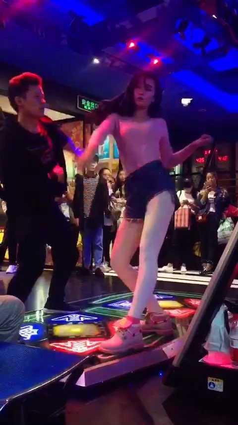 #跳舞机##E舞成名##花式跳舞机大神#