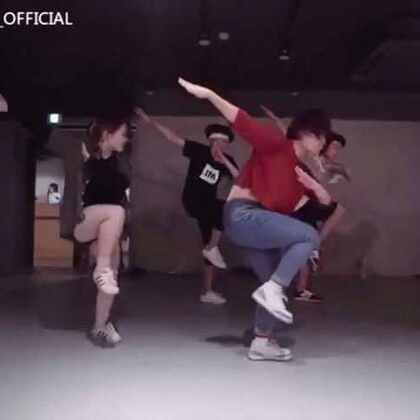 两个月前跳的视频,才放上去,不过还是很喜欢的,哥哥弟弟在后面。#1million##舞蹈#