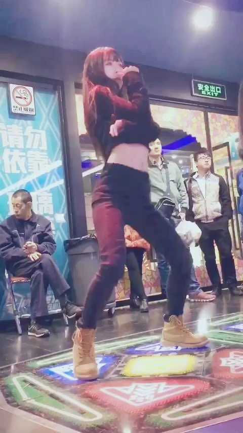 #热门##跳舞机##e舞成名# 好久没跳啦 来发视频了 歌名