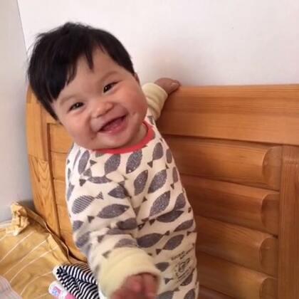 8M+10D垚宝会喊爸爸一个星期了,今天突然叫了声妈妈、好激动#宝宝成长日记#