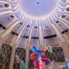 這次去澳門永利皇宮WYNN PALACE竟然遇到8號風球, 颱風讓我們困在皇宮,讓我們這幾天都出不去! 但其實也不需要出去,因為光是宮中的吃喝玩樂就夠忙了... 哥還順便剪了頭髮,愛可姊也保養美甲一下。 宮中生活是這樣的... #澳門##旅行##永利皇宮##美食##水舞秀#