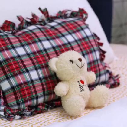 免缝免胶流苏抱枕,一块布,一把剪刀,一包棉花就可以做,这个简单😊#时尚##手工##生活DIY教程#