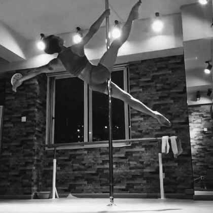 芝芝老師 pole dance 自主練習,相似的舞步換個音樂卻有截然不同的感覺,希望大家喜歡