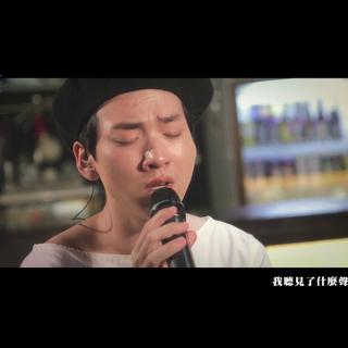 到底像趙權還是井柏然?那你聽見了他的聲音嗎?請關注我們微博http://tw.weibo.com/SoulLiveBox #音樂##黃得峯#想看更多→Youtube http://bit.ly/SLB_Taiwan 土豆自頻道 http://bit.ly/SoulLiveBox-Tudou