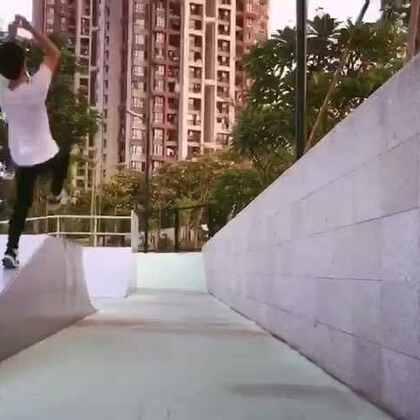 滑板场跑酷#跑酷#