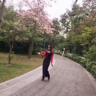 春暖花开,逗比来也,一本正经,唱小幸运~🌸🌺🌷🌹🌼🌻💃🏻💃🏻🙈🙈😝😝#随手美拍##U乐国际娱乐##小幸运##今天穿这样##逗比#