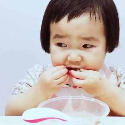 日常。去二姨家串门。#可爱吃货小萌妞##吃货小蛮##小蛮一岁11个月#