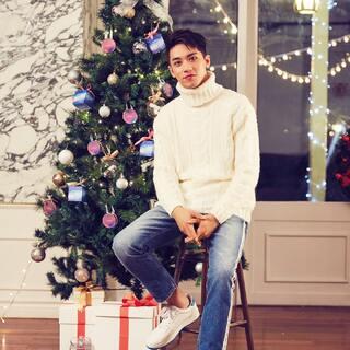 #许魏洲##我要圣诞礼物##圣诞快乐#😭😭😭我要同款圣诞树,就是这种旁边有男朋友洲树下有好多礼物的那一种!!!