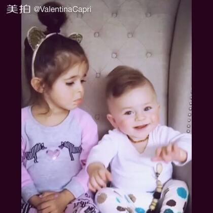 Again!!!!😂 又打算扯姐姐的头发#ValentinaCapri##BabyRomeo##宝宝#