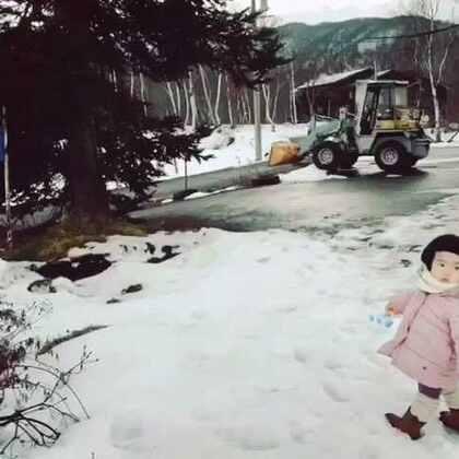 生肖属马,星座人马座的小蛮在白马村过了她的两岁生日。#小蛮24个月##可爱吃货小萌妞##吃货小蛮#