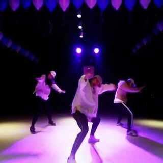 #舞蹈##@敏雅可乐##db分贝舞库#like this ,like this!对于舞蹈我们就是爱这般帅酷(哭)最近的更新,你爱不爱?! 男生女生们跳起来撩妹~ @麦兜叔叔 @美拍小助手 @武汉DB分贝舞库舞蹈室 @1M_dance