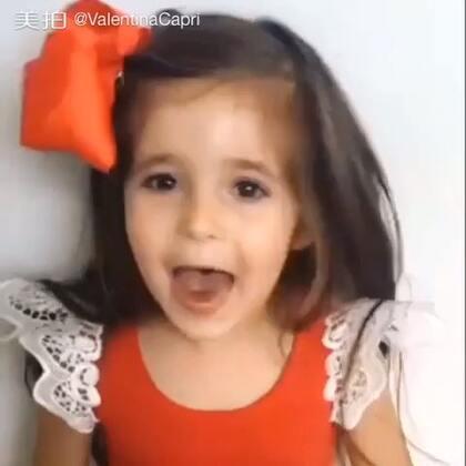 #宝贝最潮圣诞红##宝宝# Christmas Red 🎄🎅🎁圣诞鬼畜😝💕#ValentinaCapri##BabyRomeo#