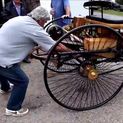 牛!1886年生产的第一批奔驰车,到现在引擎还能运转.