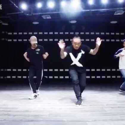 年前在@GH5DanceStudio 的最后一节课,跳的很开心😊同学们明年见#舞蹈#
