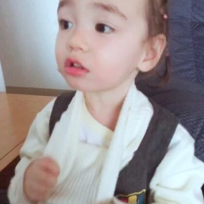 姐姐不喜欢高领衣服#宝宝#