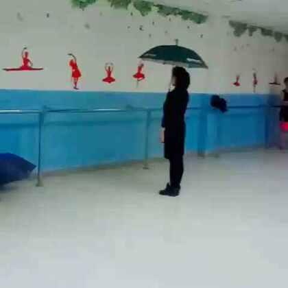 伦巴伞舞示范,要和姐姐们跳👗