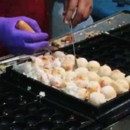 素食章魚燒外燴,一口氣做了很多盤,大顆料又多好好吃!影片裁切放大了 所以畫質比較差。😅#美食#