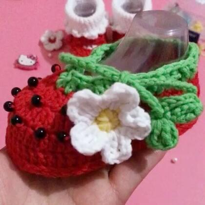 草莓宝宝鞋教程-1#手工##宝宝##5分钟美拍##编织##手工编织##手工宝宝鞋#http://c.b0wr.com/h.XKqkT3?cv=GLjuh2SOOh&sm=0bc4a3