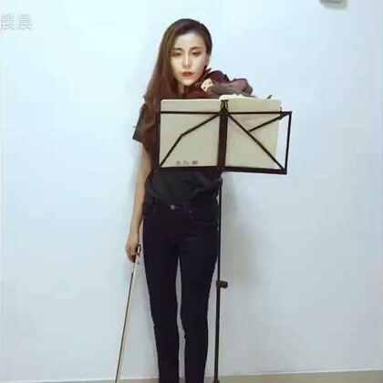 #音乐##女神##小提琴##我要上热门@美拍小助手#@音乐频道官方账号 《Beethoven Virus》贝多芬病毒 希望大家喜欢💕因为是手机录音,所以音质不好,不喜勿喷。