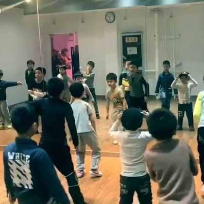 #舞蹈##宝宝# 在newdancer长安店的 hiphop小班,5节课的内容,孩子们很棒😁