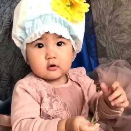 尿不湿的帽子一样美美哒!亮眼睛👀#宝宝##萌宝宝#