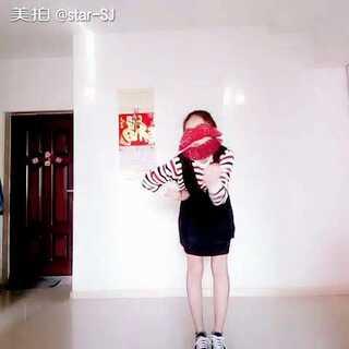 #韩国舞蹈##敏雅音乐##@敏雅可乐##5分钟美拍#大家新年快乐呀!!🎉🎉🎈crazy+Mr.chu串烧,哈哈,甩一下头发差点抽到我😂😂我会加油的!😊😊😊