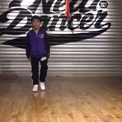 #舞蹈##popping# 小徒弟的练习视频😁