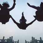 中国的文化让中国人融合!于是这支#舞蹈#小视频就这么出现了。 希望有一天,融合着传统中国文化与西方流行元素的四不像,能够打上中国制造的烙印^_^@黄庆庆-舞脉龙门 @纪托_舞脉龙门舞团 @孙亚光-舞脉龙门 @王明超_舞脉龙门 @蓝斑人-阿木尔🇲🇳 @蓝斑人-古楞 @小朱朱朋友 @安吉斯≯BGJ #热门#